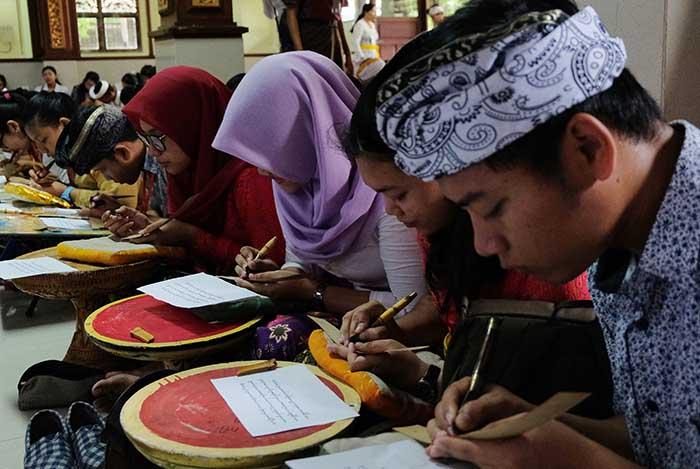 Ratusan Peserta Ikuti Festival Bulan Bahasa Bali
